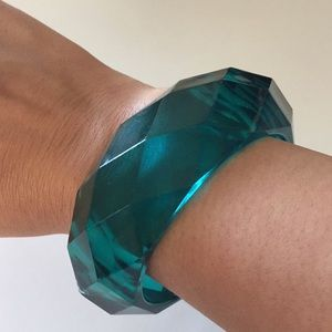 Jewelry - Teal chunky lucite bracelet